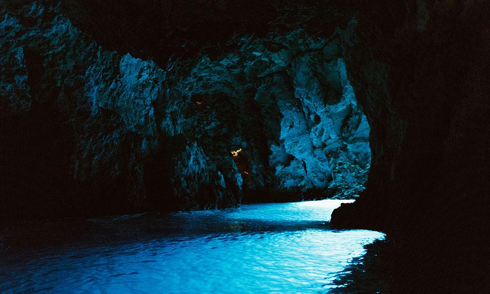 blekitna-jaskinia